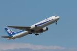 ぷぅぷぅまるさんが、小松空港で撮影した全日空 767-381/ERの航空フォト(写真)