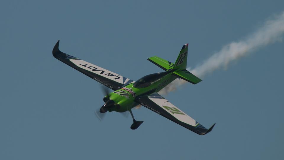 SVMさんのエアクラフト・ギャランティ (AGC) Zivko Edge 540 (N540HA) 航空フォト