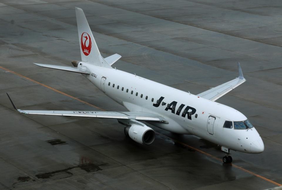 Wasawasa-isaoさんのジェイ・エア Embraer ERJ-170 (JA214J) 航空フォト