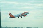 FRTさんが、パリ シャルル・ド・ゴール国際空港で撮影したイージージェット・ヨーロッパ A320-214の航空フォト(飛行機 写真・画像)