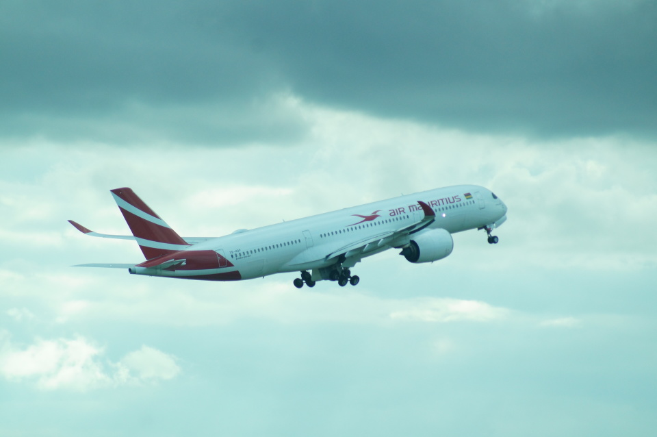 FRTさんのモーリシャス航空 Airbus A350-900 (3B-NBP) 航空フォト