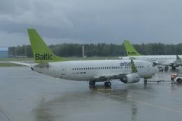 ユターさんが、リガ国際空港で撮影したエア・バルティック 737-33Aの航空フォト(飛行機 写真・画像)