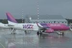 ユターさんが、リガ国際空港で撮影したウィズ・エア A320-232の航空フォト(写真)