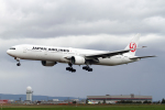 Echo-Kiloさんが、新千歳空港で撮影した日本航空 777-346の航空フォト(写真)