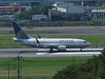 ジジさんが、福岡空港で撮影したユナイテッド航空 737-724の航空フォト(写真)