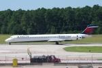 zettaishinさんが、ローリー・ダーラム国際空港で撮影したデルタ航空 MD-90-30の航空フォト(写真)