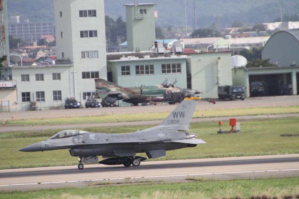 デウスーラ294さんのアメリカ空軍 General Dynamics F-16 Fighting Falcon (90-0808) 航空フォト