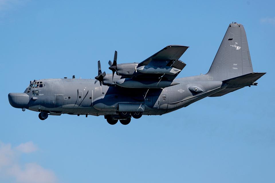 Tomo-Papaさんのアメリカ空軍 Lockheed C-130 Hercules (87-0024) 航空フォト
