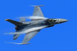 オポッサムさんが、小松空港で撮影したアメリカ空軍 F-16CM-50-CF Fighting Falconの航空フォト(飛行機 写真・画像)