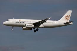 TIA spotterさんが、ロンドン・ガトウィック空港で撮影したゲットジェット・エアラインズ A320-232の航空フォト(飛行機 写真・画像)