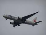 Blue607Aさんが、福岡空港で撮影した日本航空 777-246の航空フォト(写真)