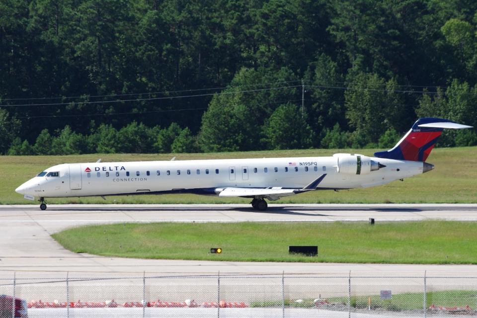 zettaishinさんのデルタ・コネクション Bombardier CRJ-900 (N195PQ) 航空フォト