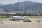 けいとパパさんが、台北松山空港で撮影した遠東航空 MD-82 (DC-9-82)の航空フォト(写真)