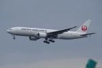 レドームさんが、羽田空港で撮影した日本航空 777-246/ERの航空フォト(写真)