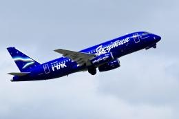 くれないさんが、高松空港で撮影したヤマル・エアラインズ 100-95LRの航空フォト(飛行機 写真・画像)
