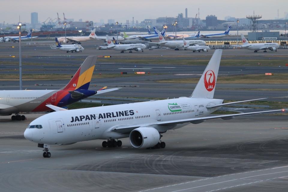 Hiro-hiroさんの日本航空 Boeing 777-200 (JA705J) 航空フォト