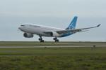 小弦さんが、バンクーバー国際空港で撮影したエア・トランザット A330-243の航空フォト(写真)