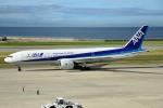 タヌキさんが、神戸空港で撮影した全日空 777-281の航空フォト(写真)