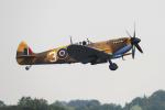 "AkiChup0nさんが、フェアフォード空軍基地で撮影したRoyal Air Force ""Battle of Britain Memorial Flight""  361 Spitfire LF9Eの航空フォト(写真)"