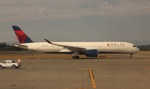 uhfxさんが、シアトル タコマ国際空港で撮影したデルタ航空 A350-941XWBの航空フォト(飛行機 写真・画像)