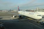 uhfxさんが、ジョン・F・ケネディ国際空港で撮影したデルタ航空 767-432/ERの航空フォト(写真)