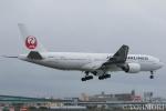 遠森一郎さんが、福岡空港で撮影した日本航空 777-246の航空フォト(写真)