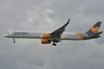 IL-18さんが、ロンドン・ガトウィック空港で撮影したトーマスクック・エアラインズ 757-3CQの航空フォト(写真)
