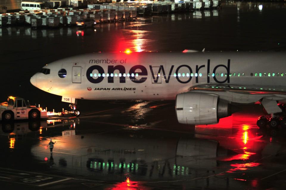 M.Ochiaiさんの日本航空 Boeing 777-200 (JA708J) 航空フォト