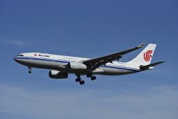 Frankspotterさんが、ロンドン・ヒースロー空港で撮影した中国国際航空 A330-243の航空フォト(飛行機 写真・画像)