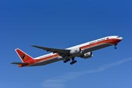 Frankspotterさんが、リスボン・ウンベルト・デルガード空港で撮影したTAAGアンゴラ航空 777-3M2/ERの航空フォト(飛行機 写真・画像)