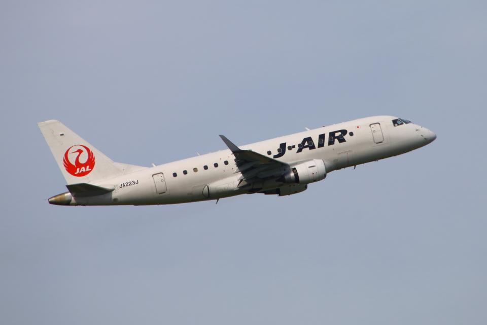 Kuuさんのジェイエア Embraer 170 (JA223J) 航空フォト