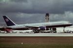tassさんが、マイアミ国際空港で撮影したユナイテッド航空 757-222の航空フォト(飛行機 写真・画像)