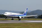 express999さんが、高松空港で撮影した全日空 767-381/ERの航空フォト(写真)