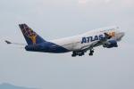 mototripさんが、福岡空港で撮影したアトラス航空 747-446の航空フォト(写真)
