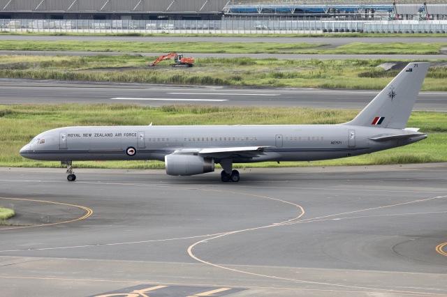 sky-spotterさんが、羽田空港で撮影したニュージーランド空軍 757-2K2の航空フォト(飛行機 写真・画像)