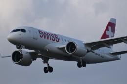 k-spotterさんが、ロンドン・ヒースロー空港で撮影したスイスインターナショナルエアラインズ A220-100 (BD-500-1A10)の航空フォト(飛行機 写真・画像)