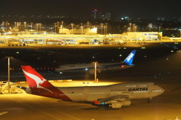 yonsuさんが、シドニー国際空港で撮影したカンタス航空 747-438の航空フォト(飛行機 写真・画像)