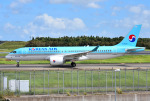 mojioさんが、成田国際空港で撮影した大韓航空 A220-300 (BD-500-1A11)の航空フォト(飛行機 写真・画像)