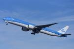 Frankspotterさんが、アムステルダム・スキポール国際空港で撮影したKLMオランダ航空 777-306/ERの航空フォト(写真)