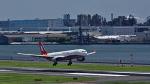 オキシドールさんが、羽田空港で撮影した上海航空 A330-343Xの航空フォト(写真)