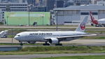 オキシドールさんが、羽田空港で撮影した日本航空 777-246/ERの航空フォト(写真)