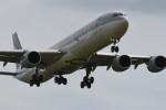 kuro2059さんが、クアラルンプール国際空港で撮影したカタール航空 A340-642Xの航空フォト(飛行機 写真・画像)