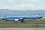 B747‐400さんが、関西国際空港で撮影したKLMオランダ航空 777-206/ERの航空フォト(写真)
