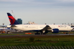 セブンさんが、成田国際空港で撮影したデルタ航空 777-232/LRの航空フォト(飛行機 写真・画像)