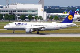 航空フォト:D-AIPZ ルフトハンザドイツ航空 A320