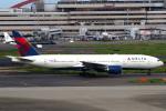 セブンさんが、羽田空港で撮影したデルタ航空 777-232/ERの航空フォト(飛行機 写真・画像)