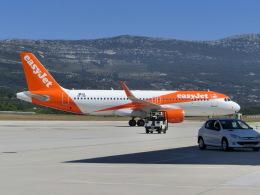 ヒロリンさんが、スプリト空港で撮影したイージージェット・ヨーロッパ A320-214の航空フォト(飛行機 写真・画像)