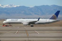 masa707さんが、デンバー国際空港で撮影したユナイテッド航空 757-224の航空フォト(飛行機 写真・画像)