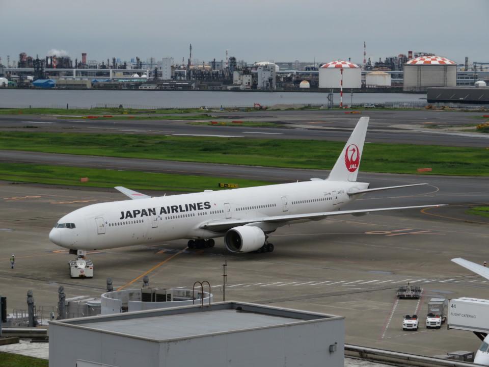 カップメーンさんの日本航空 Boeing 777-300 (JA751J) 航空フォト