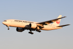 panchiさんが、成田国際空港で撮影した日本航空 777-246/ERの航空フォト(写真)